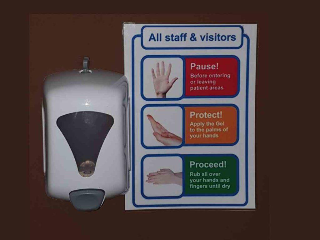Sanificatore per mani, questa cosa abbiamo in mente